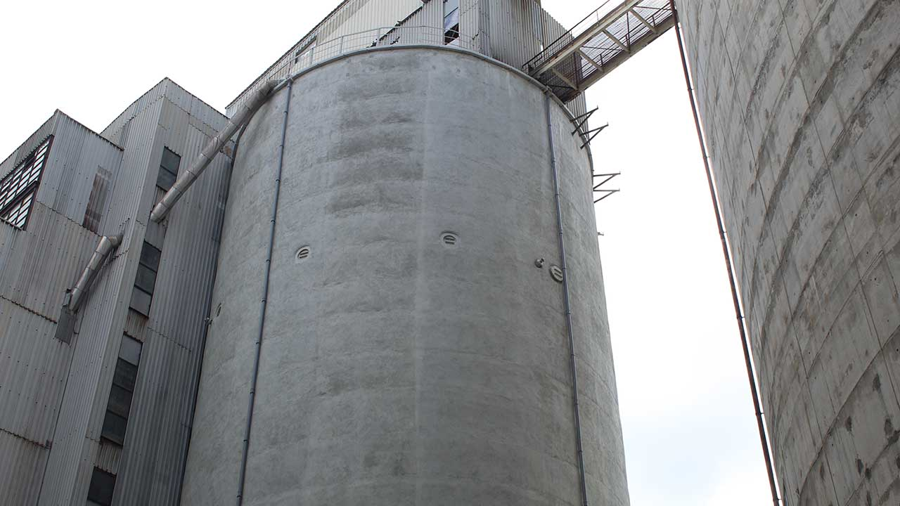 Structural reinforcement of a concrete silo - reinforced concrete structure